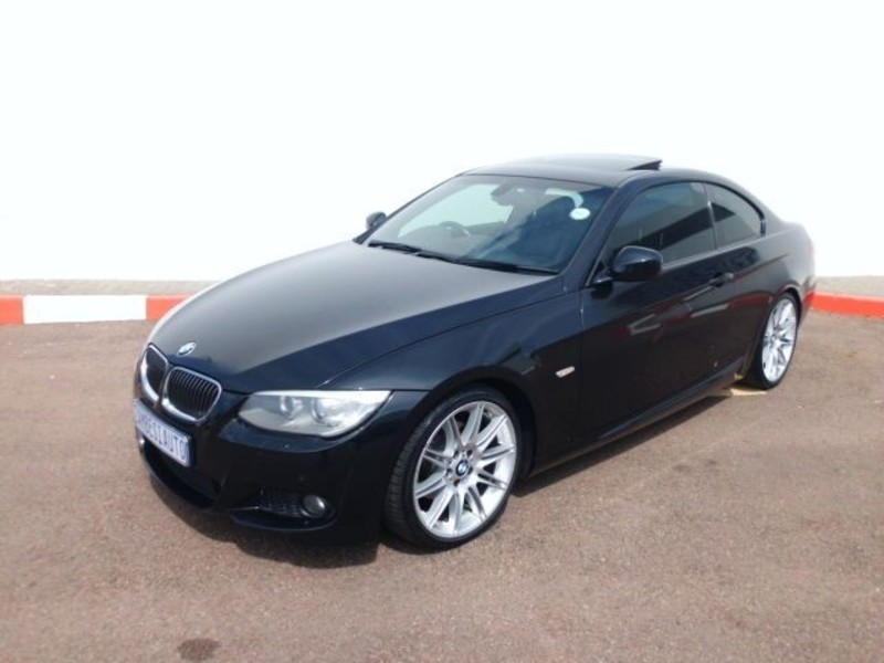 BMW 3 series 325i 2010 photo - 12