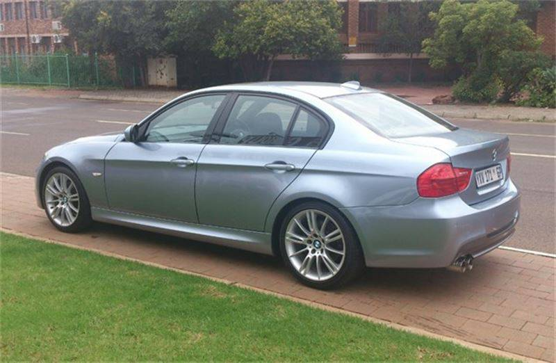 BMW 3 series 325i 2010 photo - 6