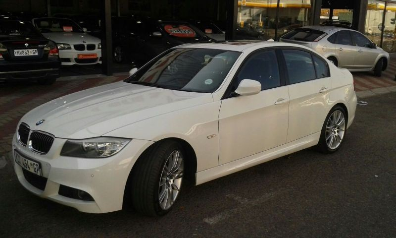 BMW 3 series 325i 2010 photo - 9