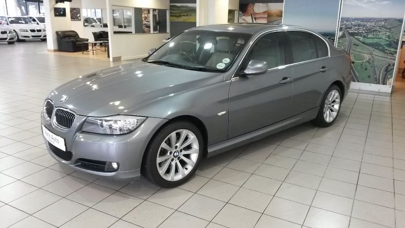 BMW 3 series 325i 2011 photo - 2