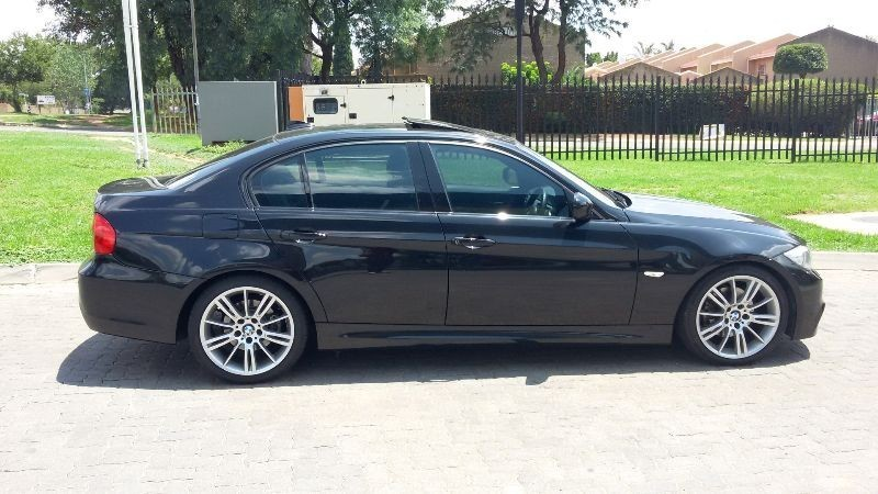 BMW 3 series 325i 2011 photo - 4