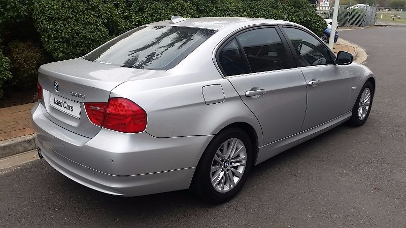 BMW 3 series 325i 2011 photo - 8