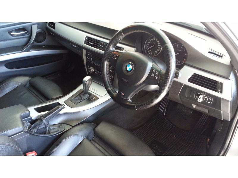 BMW 3 series 325i 2011 photo - 9