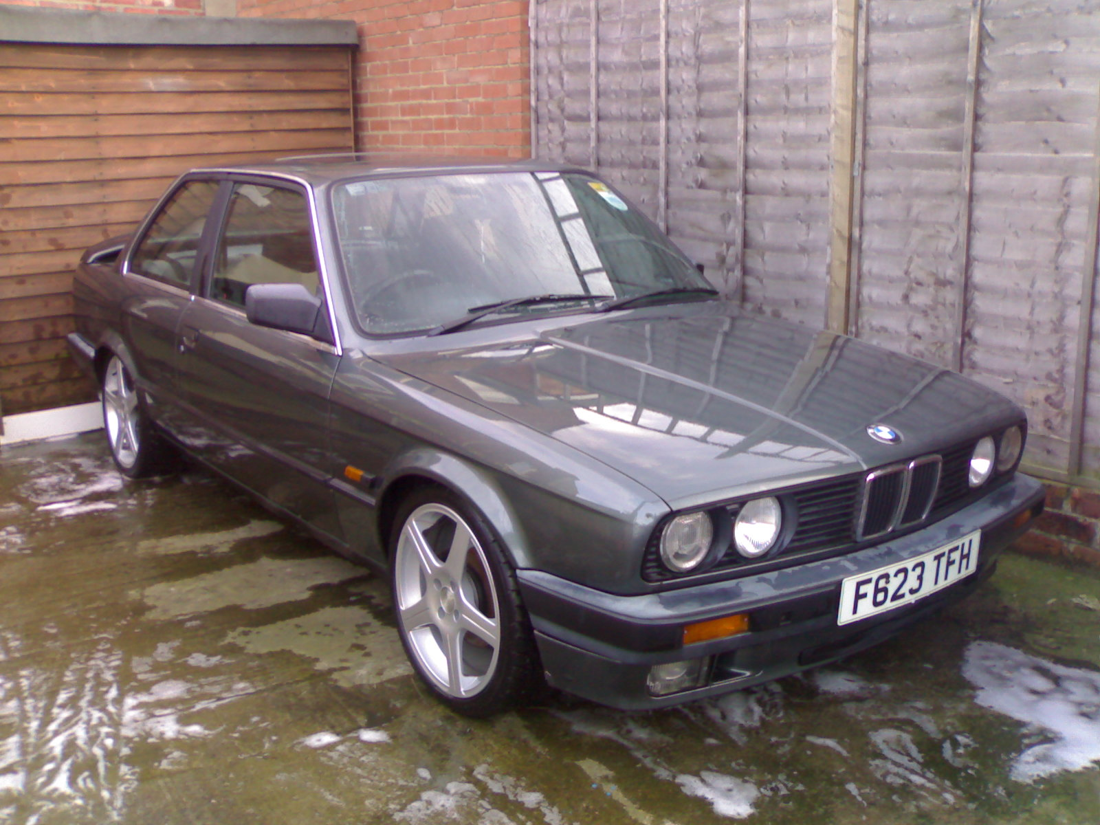BMW 3 series 325is 1989 photo - 5