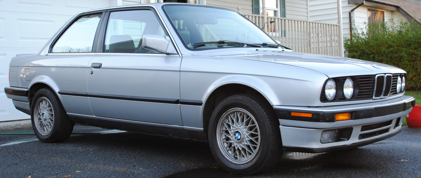 BMW 3 series 325is 1990 photo - 3