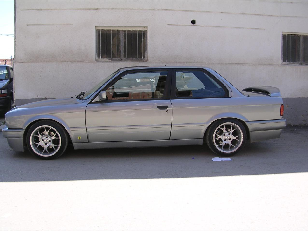 BMW 3 series 325is 1991 photo - 4