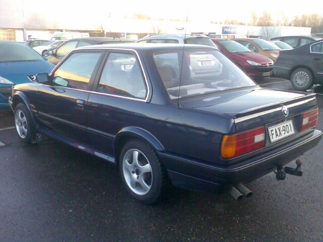BMW 3 series 325ix 1988 photo - 12