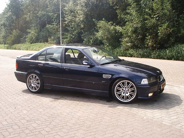 BMW 3 series 325ix 1992 photo - 12