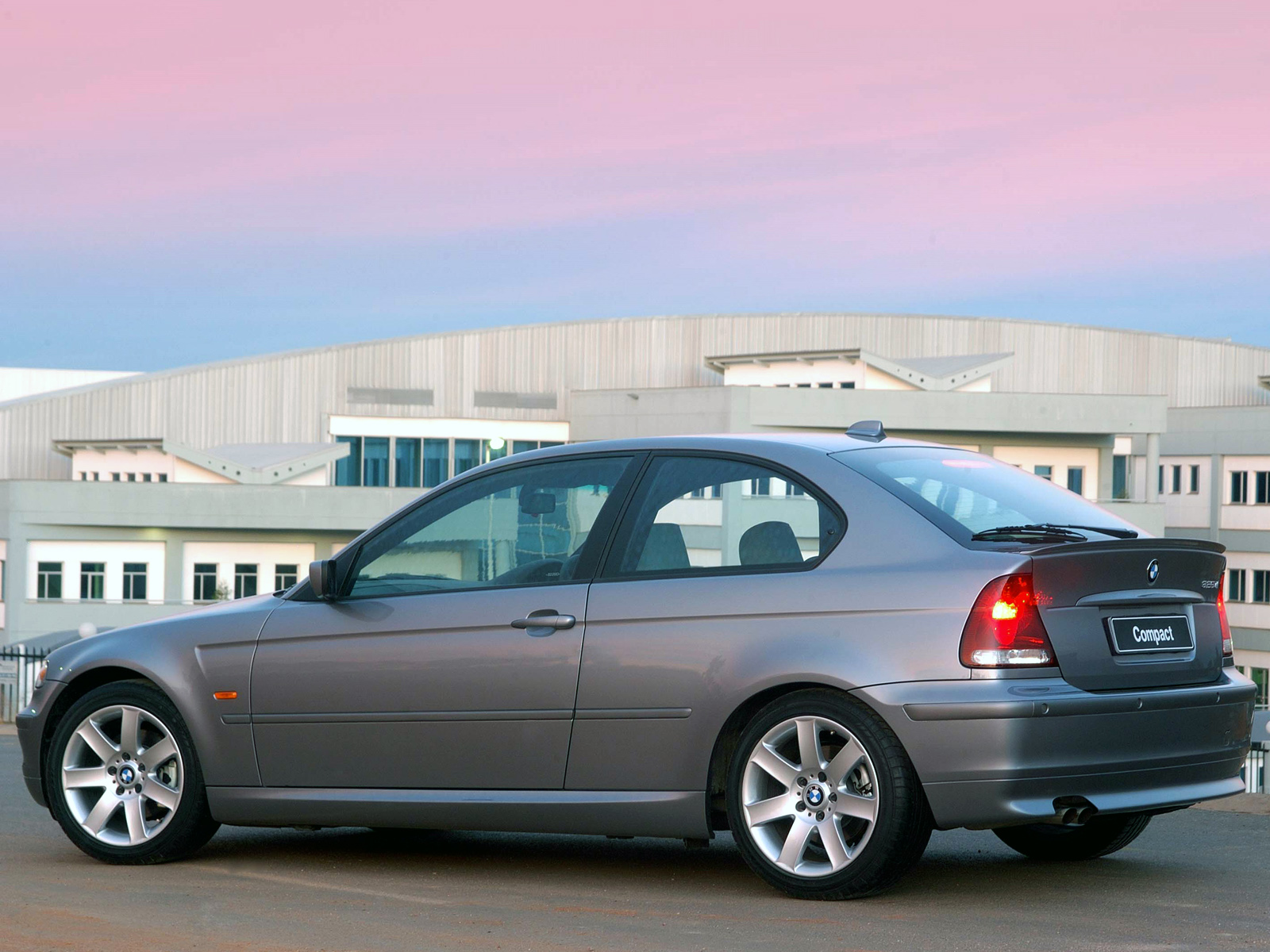 BMW 3 series 325ti 2001 photo - 7