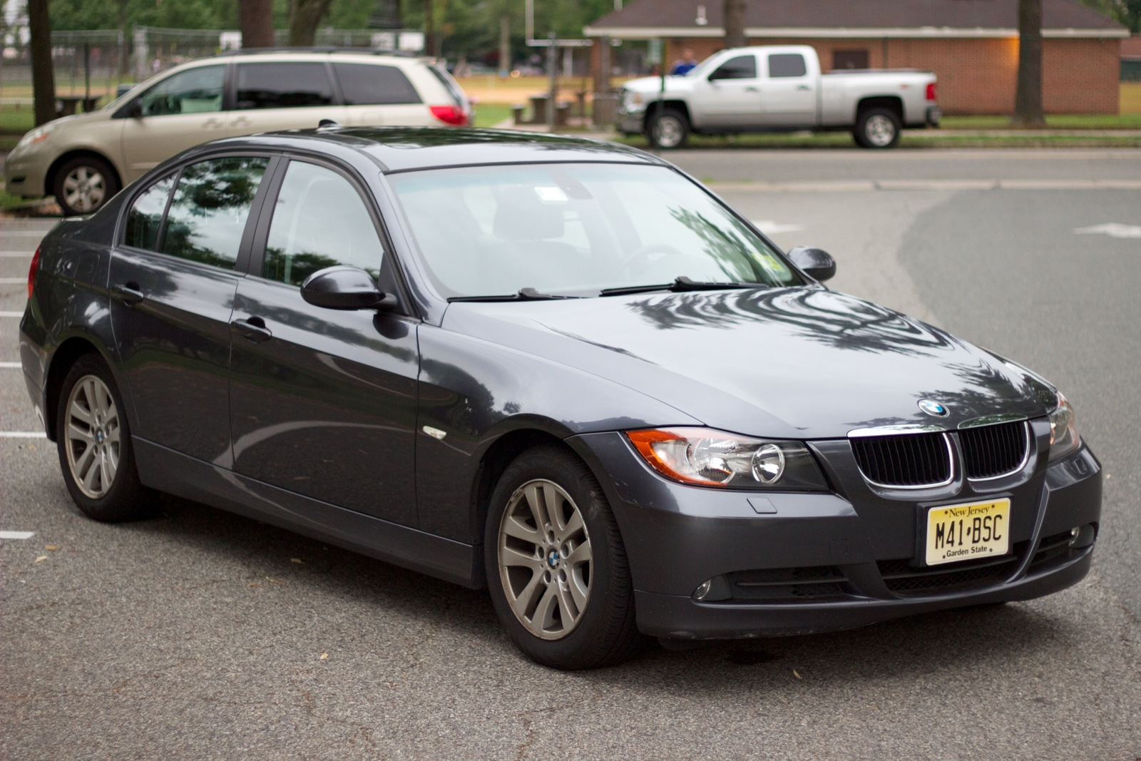 BMW 3 series 325xi 2009 photo - 3