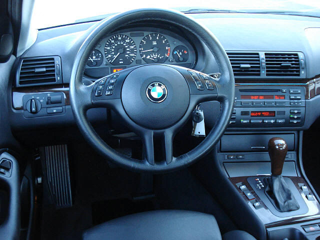 BMW 3 series 325xi 2009 photo - 4