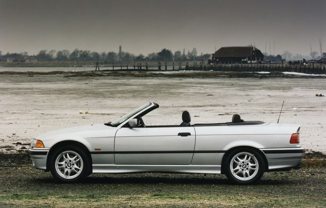 BMW 3 series 328i 1993 photo - 2