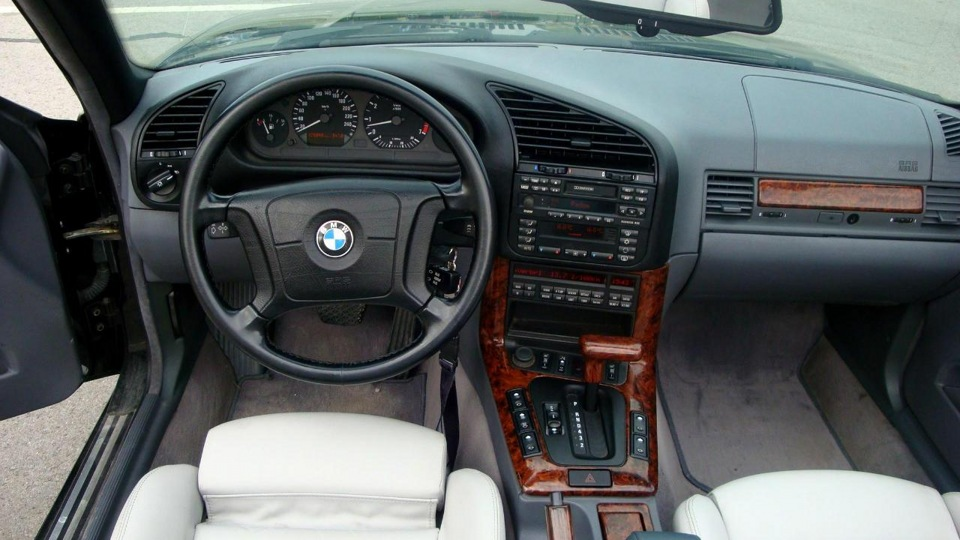BMW 3 series 328i 1994 photo - 9