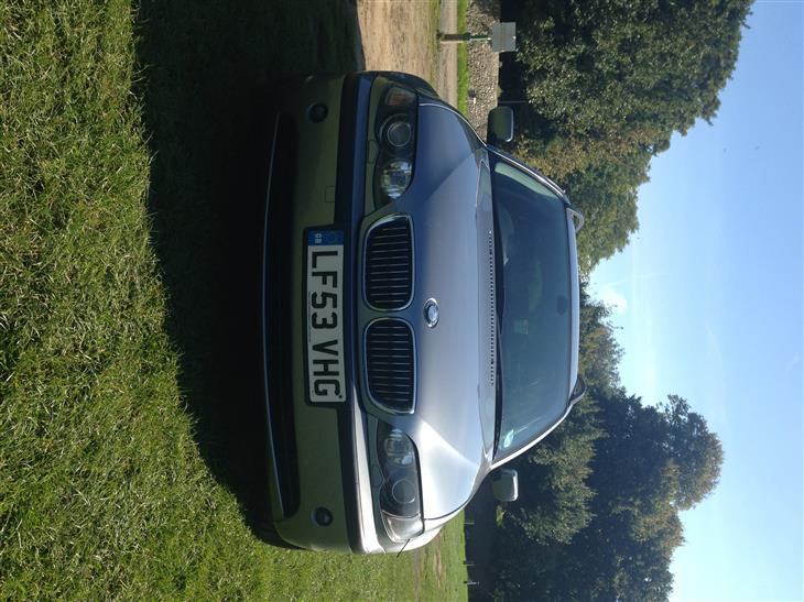 BMW 3 series 330d 2004 photo - 12