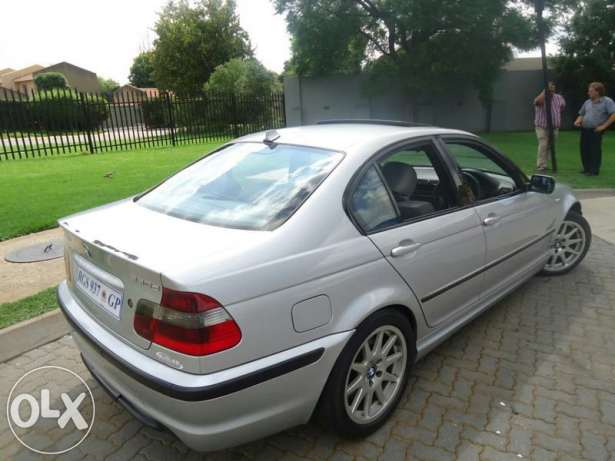 BMW 3 series 330d 2004 photo - 8