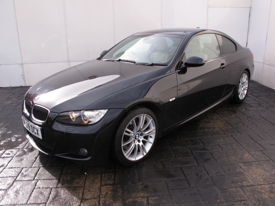 BMW 3 series 330d 2009 photo - 12