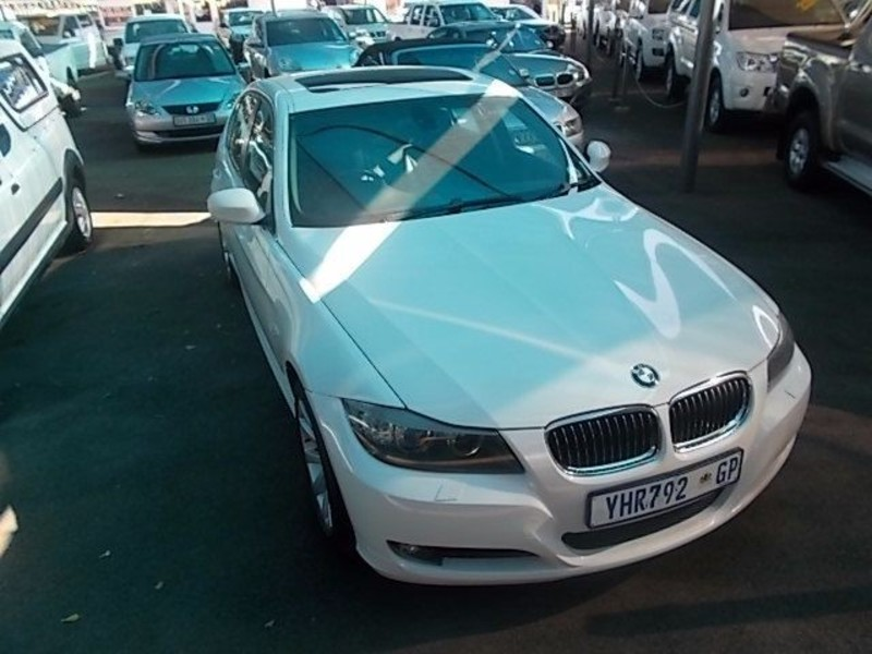 BMW 3 series 330d 2009 photo - 3