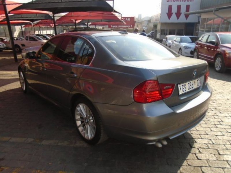 BMW 3 series 330d 2009 photo - 6