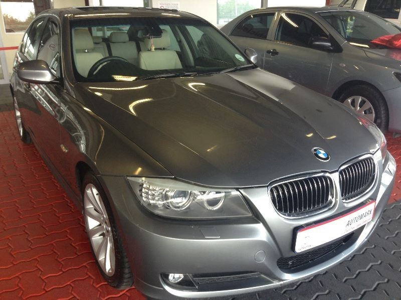 BMW 3 series 330d 2010 photo - 4