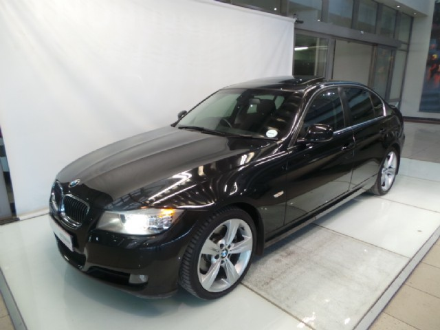 BMW 3 series 330d 2010 photo - 6