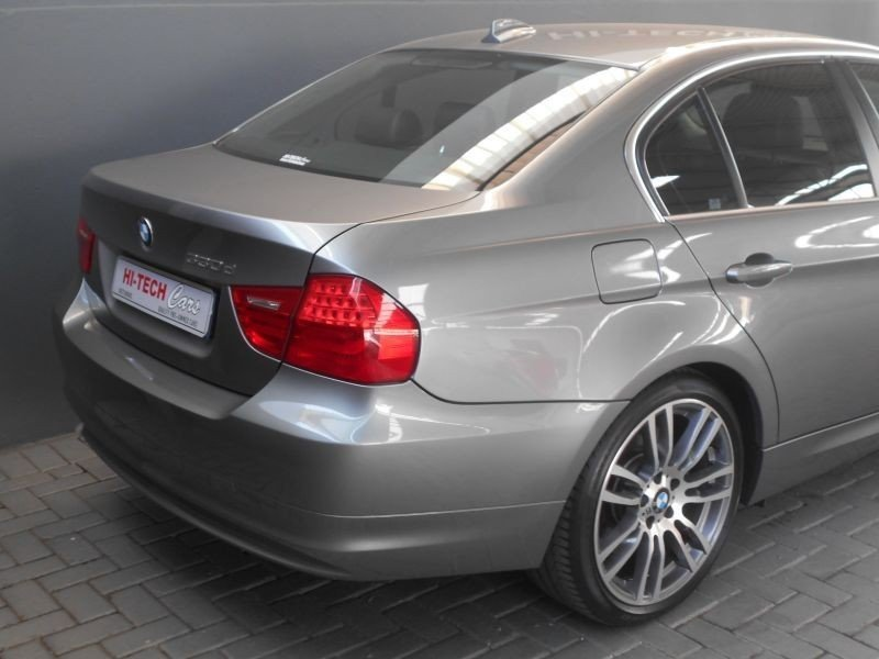 BMW 3 series 330d 2010 photo - 8