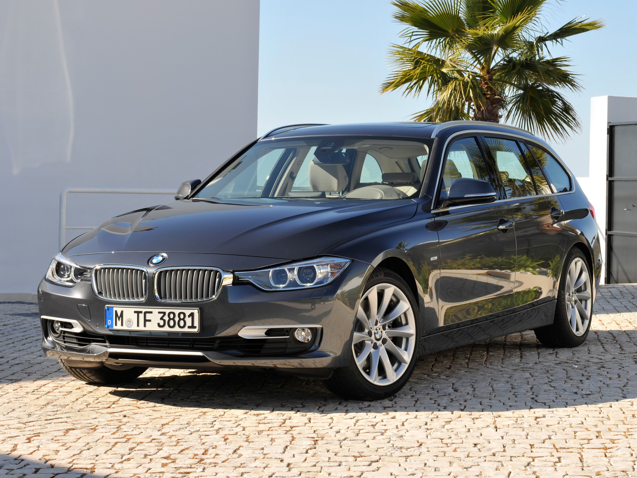 BMW 3 series 330d 2012 photo - 1