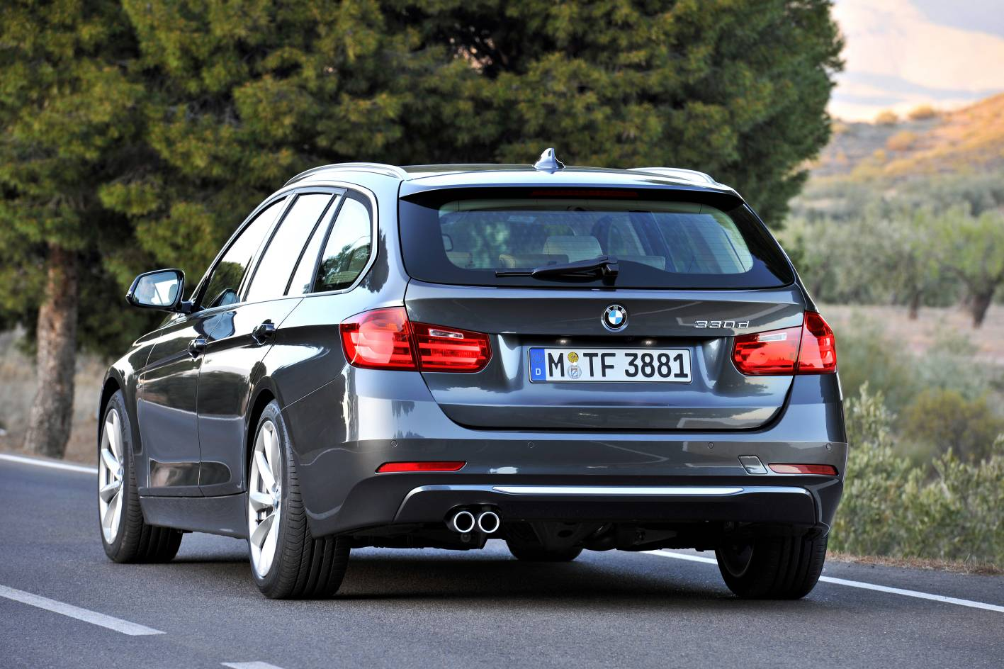 BMW 3 series 330d 2012 photo - 11