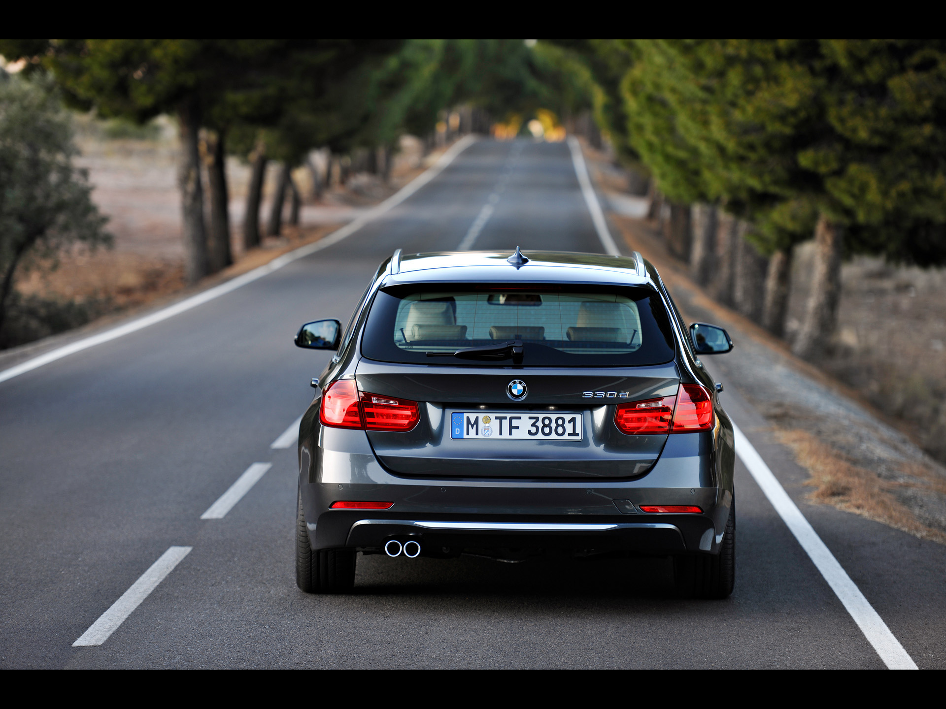 BMW 3 series 330d 2012 photo - 4