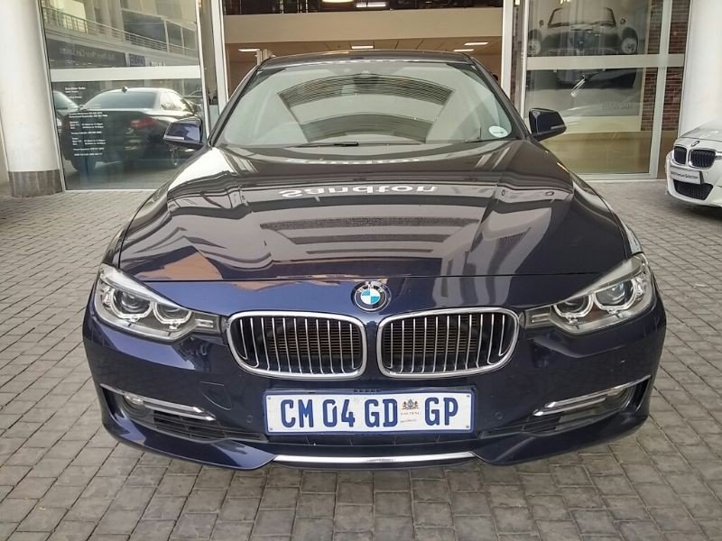 BMW 3 series 330d 2013 photo - 11
