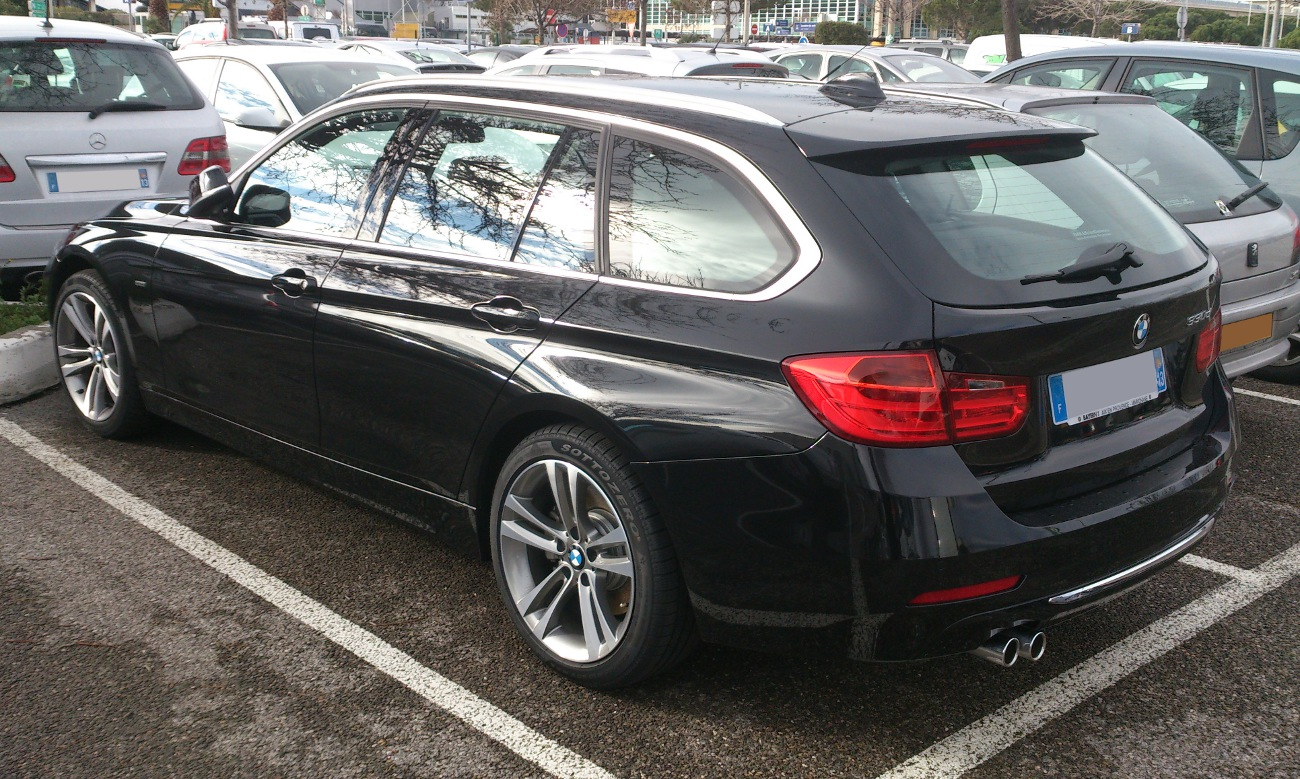 BMW 3 series 330d 2013 photo - 4
