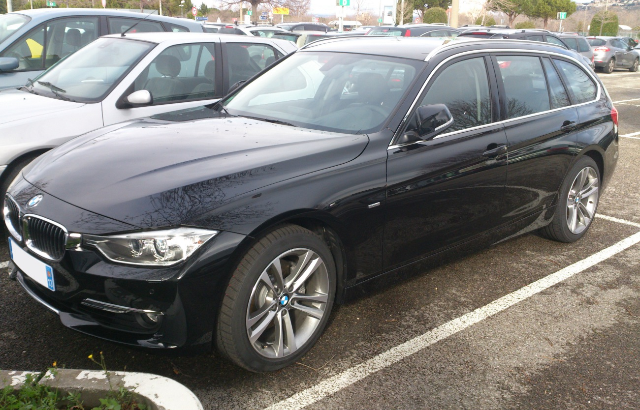 BMW 3 series 330d 2013 photo - 7