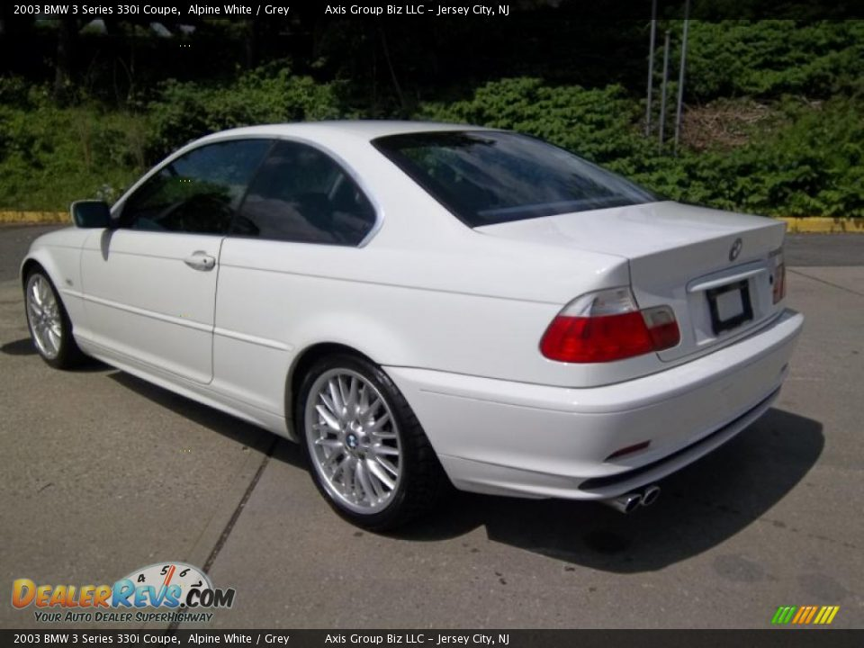 BMW 3 series 330i 2003 photo - 12