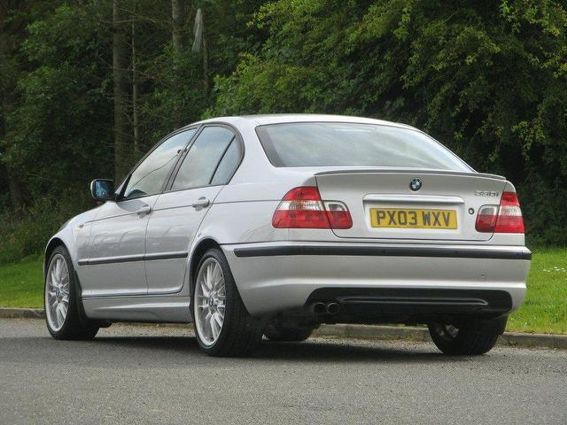 BMW 3 series 330i 2003 photo - 4