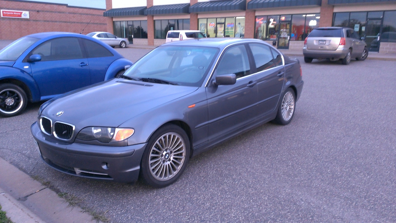 BMW 3 series 330i 2003 photo - 9