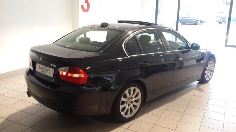 BMW 3 series 330i 2008 photo - 9