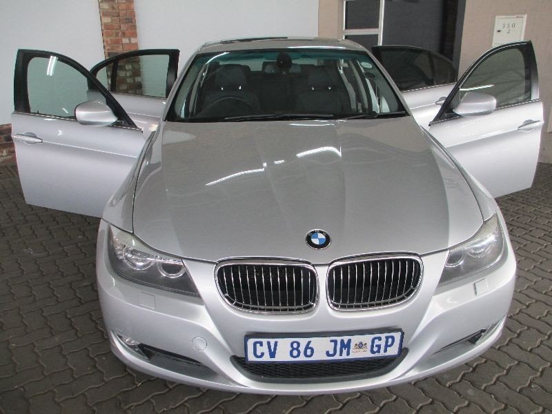 BMW 3 series 330i 2009 photo - 4