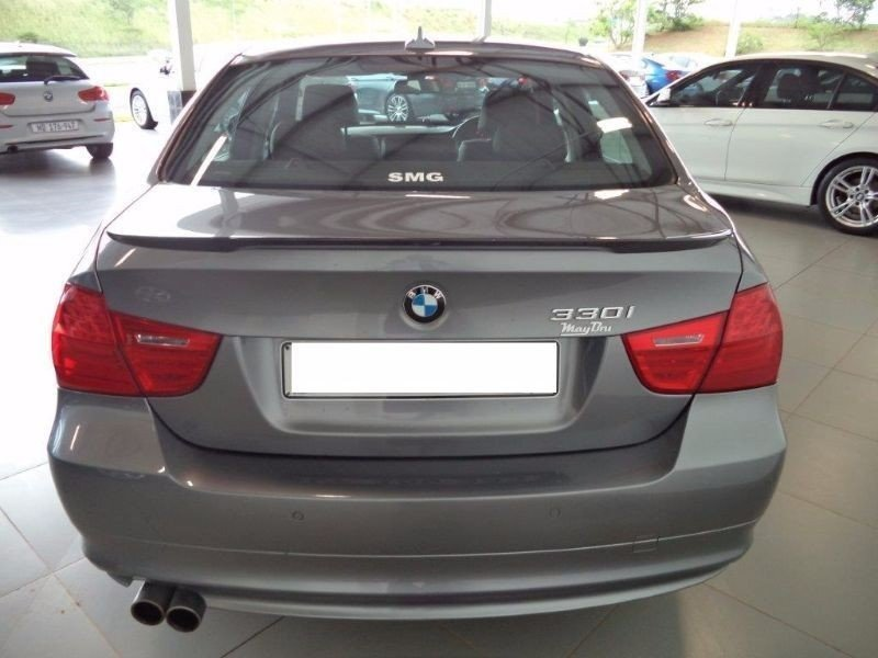 BMW 3 series 330i 2009 photo - 5