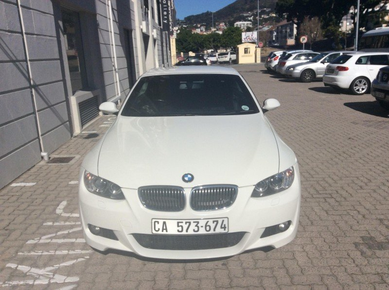 BMW 3 series 330i 2009 photo - 7
