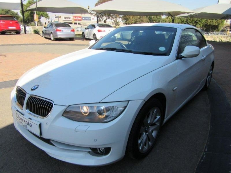 BMW 3 series 330i 2010 photo - 1