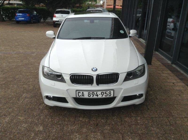 BMW 3 series 330i 2010 photo - 10