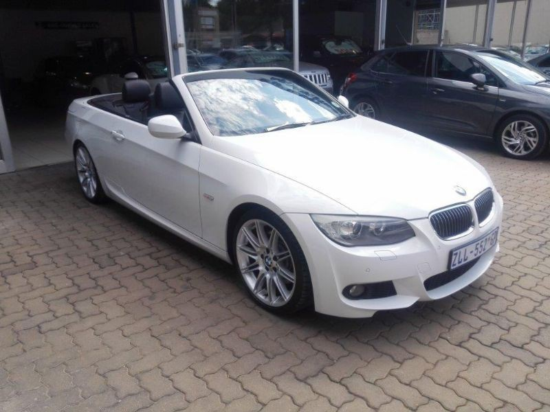 BMW 3 series 330i 2010 photo - 12