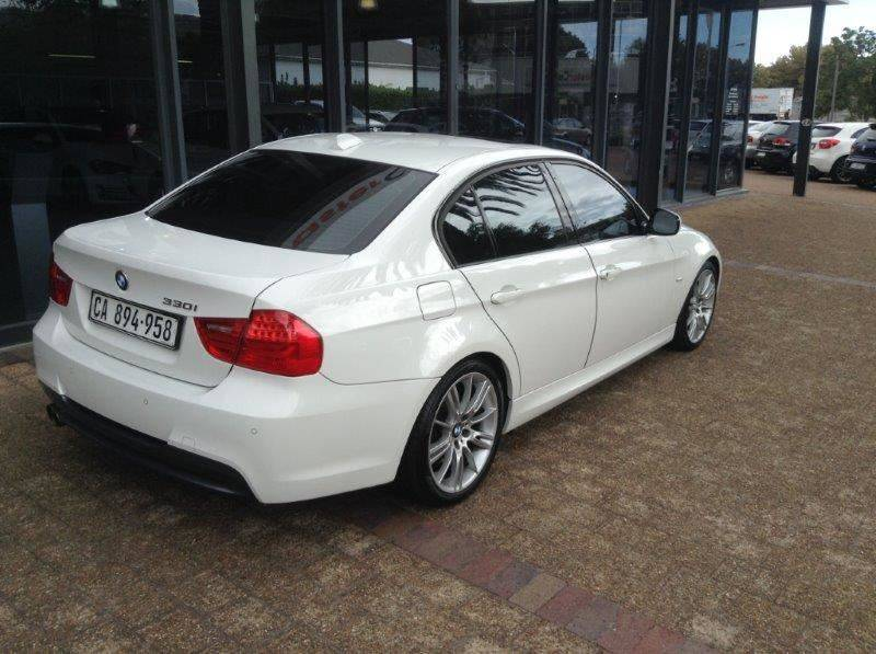 BMW 3 series 330i 2010 photo - 6