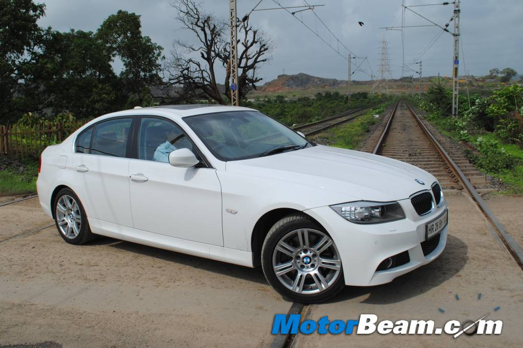 BMW 3 series 330i 2011 Technical specifications  Interior and