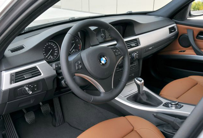 BMW 3 series 330xd 2005 photo - 4