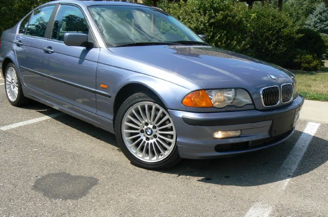 BMW 3 series 330xi 2001 photo - 7