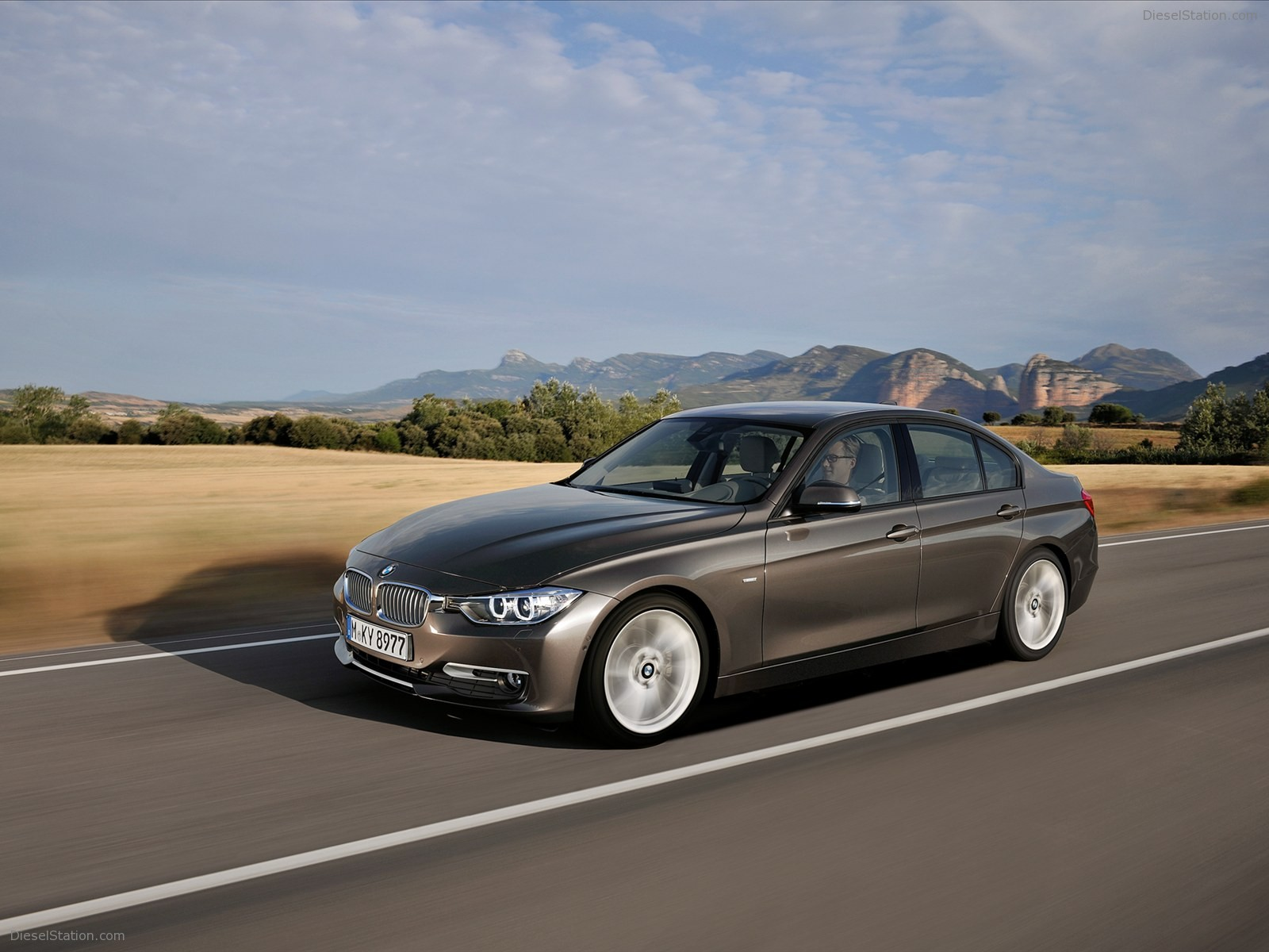 BMW 3 series 335i 2012 photo - 12