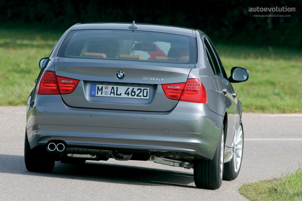 BMW 3 series 335is 2008 photo - 11