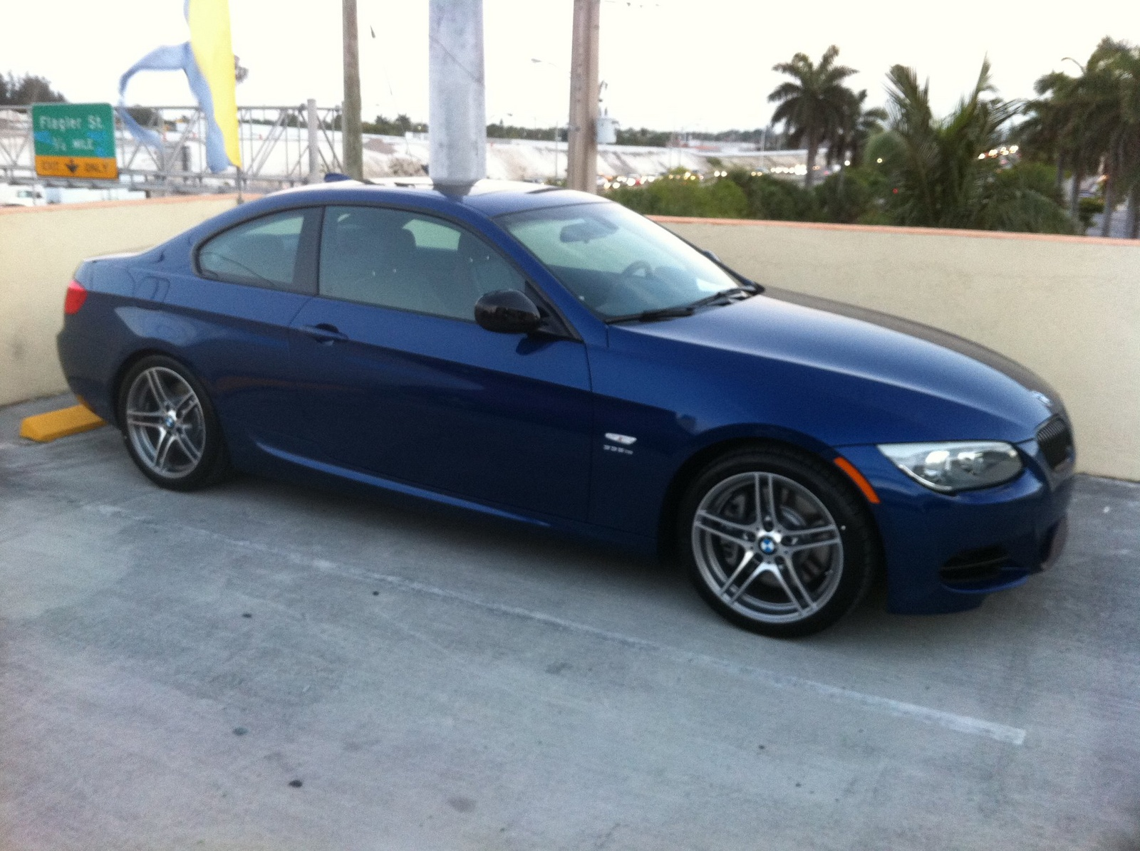 BMW 3 series 335is 2011 photo - 4