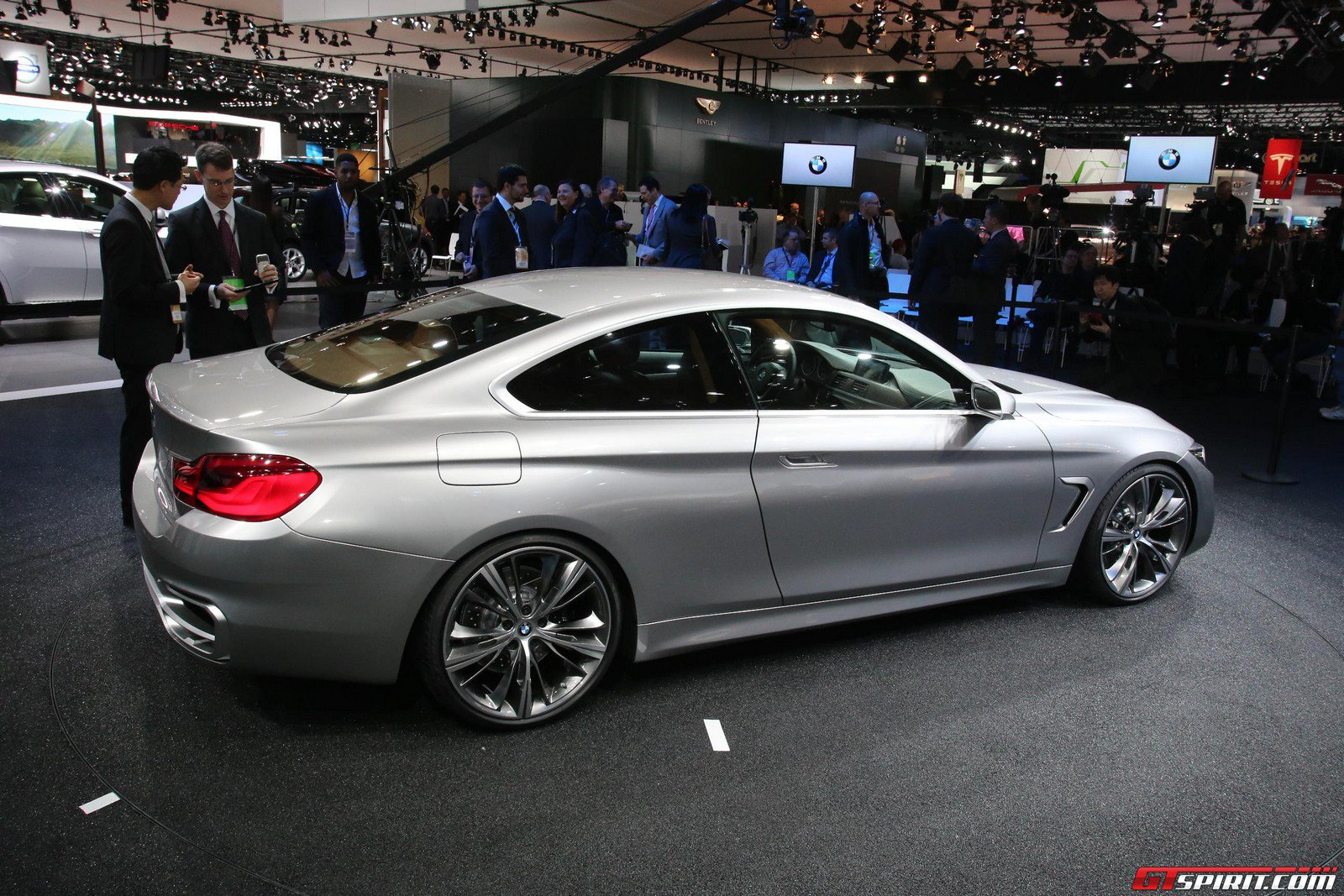 BMW 4 series 418d 2013 photo - 12