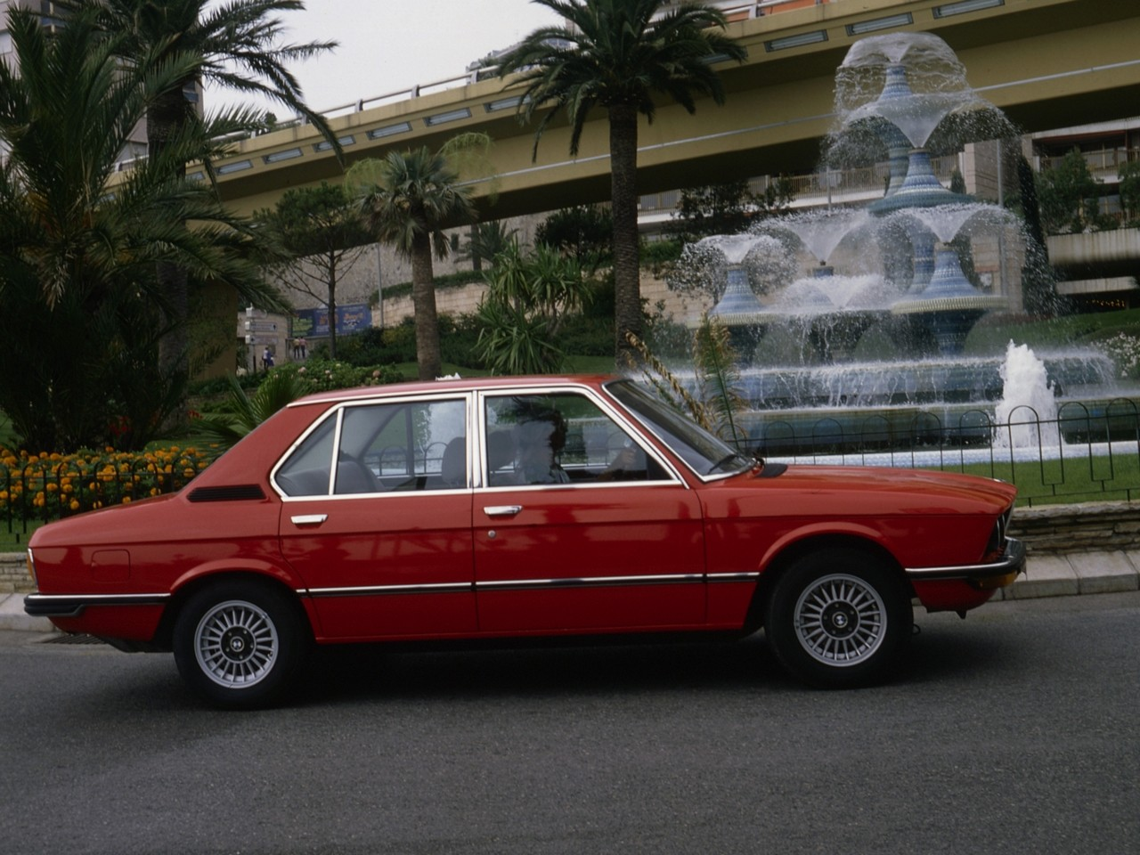 BMW 5 series 518 1975 photo - 8